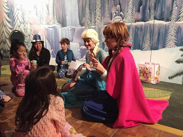 during-last-years-kids-frozen-themed-nye-party-at-lanier-islands-guests-received-a-special-visit-from-ana-and-elsa