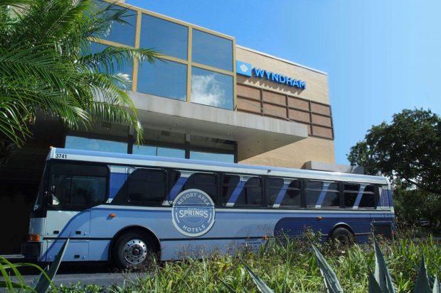 Wyndham Lake Buena Vista Shuttles to Disney parks